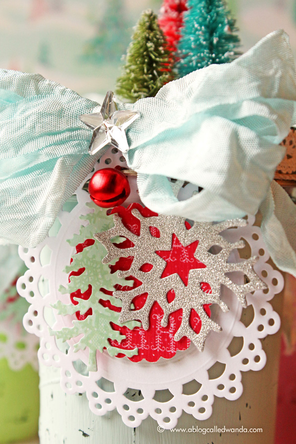 Tumbled Glass Crinkle ribbon - project by Wanda Guess