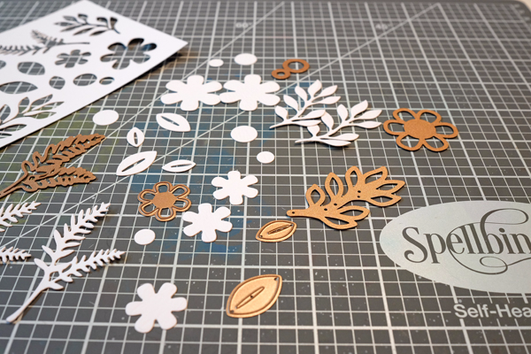 Spellbinders dies and magnetic mat