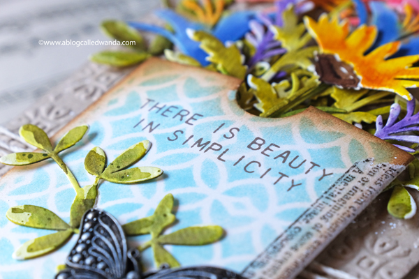 TIM HOLTZ SIZZIX WILDFLOWERS DIES. WATERCOLOR WITH DISTRESS INK. VINTAGE CARD. HANDMADE. WANDA GUESS