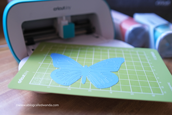 cutting paper with new Cricut Joy Machine
