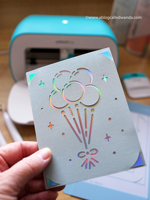 Making cards with Cricut Joy cards and card mat. Cricut Joy Machine and accessories. Reviews and tips to use Cricut Joy Machine. Wanda Guess