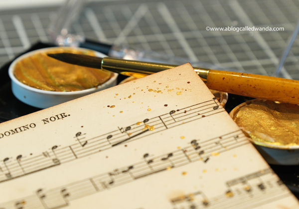 Finetec Gold Paints on sheet music