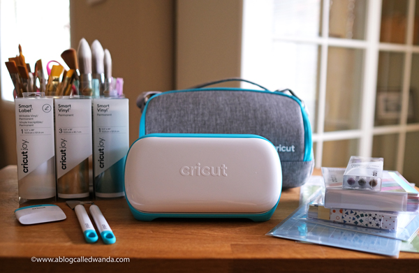Cricut Joy Machine and accessories. Reviews and tips to use Cricut Joy Machine. Wanda Guess