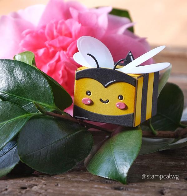 Lawn Fawn Tiny Treat Box Bumble Bee